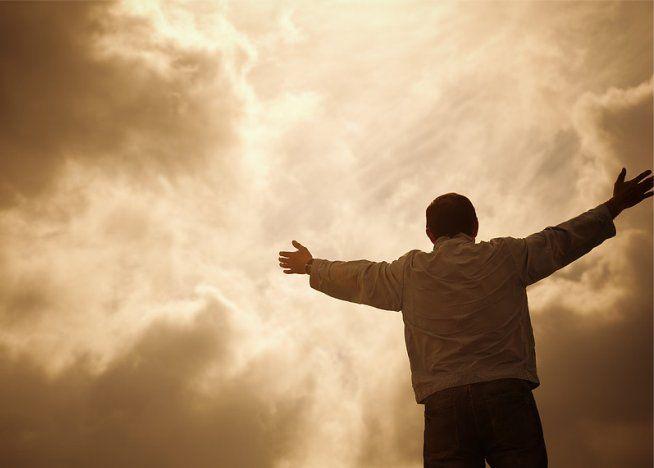 Uma vez salvo, salvo para sempre? Descubra o que a Bíblia diz sobre o assunto, e se um salvo verdadeiro pode perder a salvação.