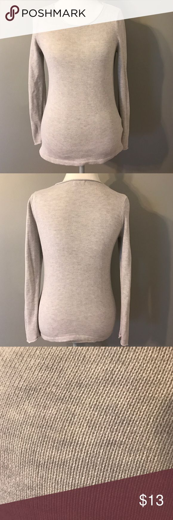 Old Navy Sweater, Size Small Nice sweater from Old Navy. Size Small. Old Navy Sweaters