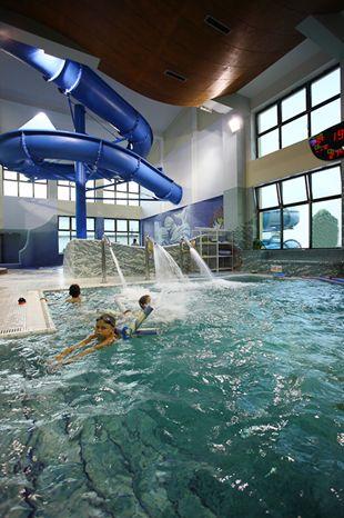 Wodne szaleństwa to świetna atrakcja dla Gości w każdym wieku. W naszym Aquaparku nie sposób się nudzić!   #muszyna #hotelklimek #basen #aquapark #hydromasaż #massage