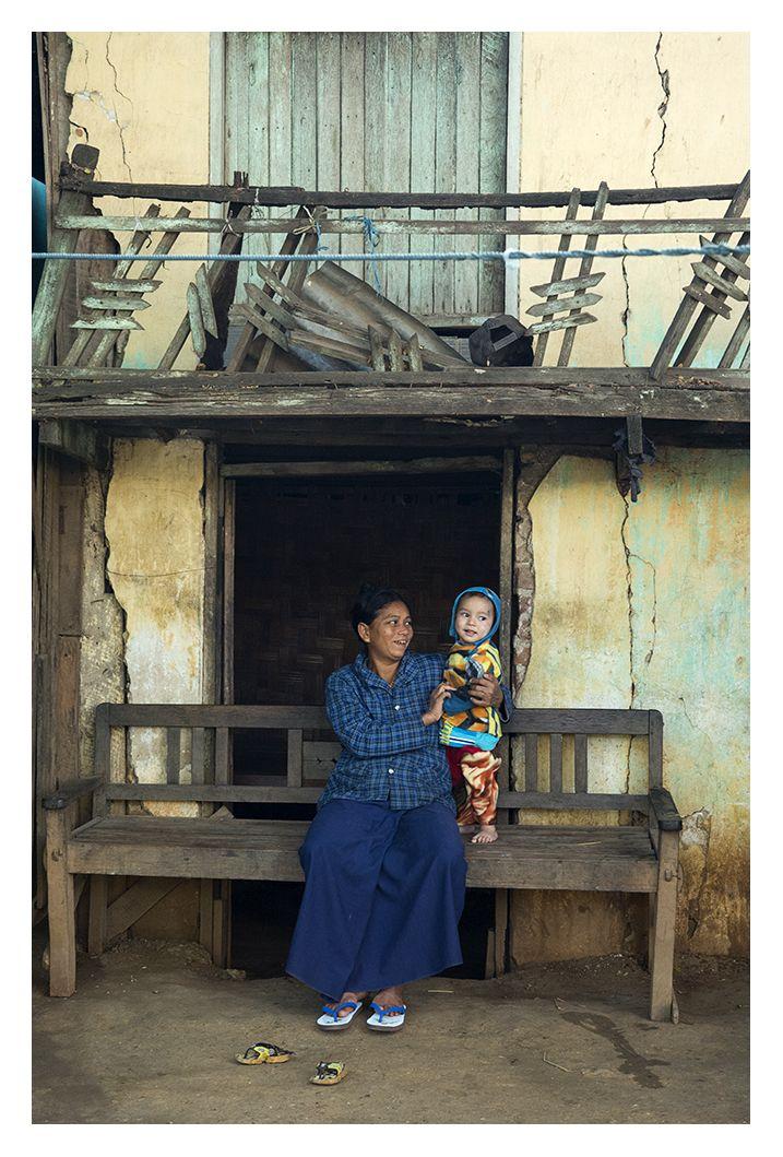 A quick jolt - Monywa, Sagaing- Myanmar