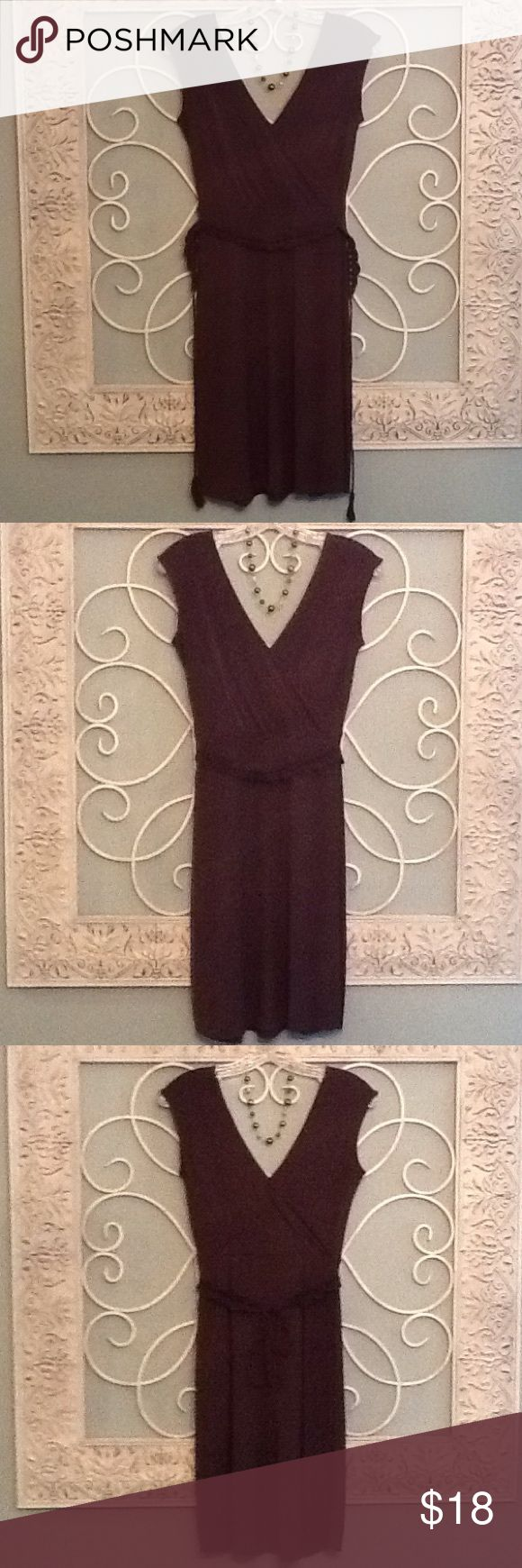 LOFT V-Neck Dress w/Belt. Petite 0. Super Cute Loft Brown V-Neck Dress w/Belt. This Dress is in excellent condition as it was only worn a couple times.  If you need me to take another picture or get specific measurements let me know LOFT Dresses Midi