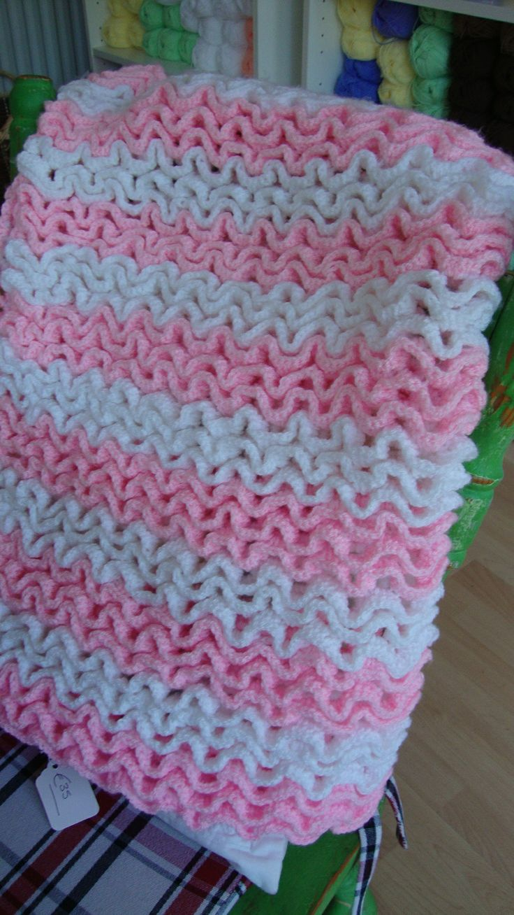 17 Best images about Crocheted Blankets on Pinterest Crochet classes, Wool ...