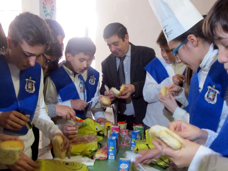 Un millar de escolares conocerán las bondades del aceite de oliva virgen extra de Jaén