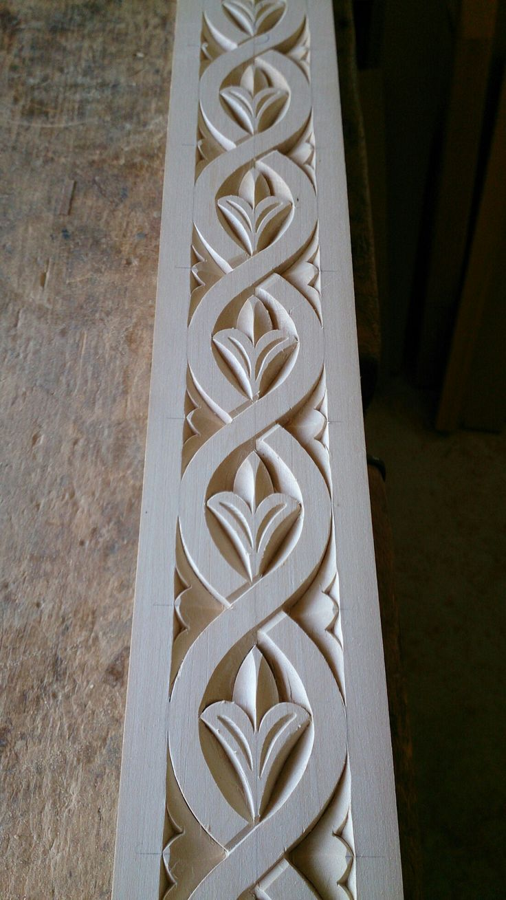 Wood carved frame by Mixalis Bechlivanis