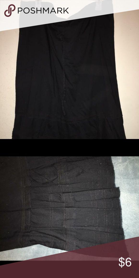 Old navy broomstick skirt Black raw edge. Old Navy broomstick skirt   Size large Old Navy Skirts Midi