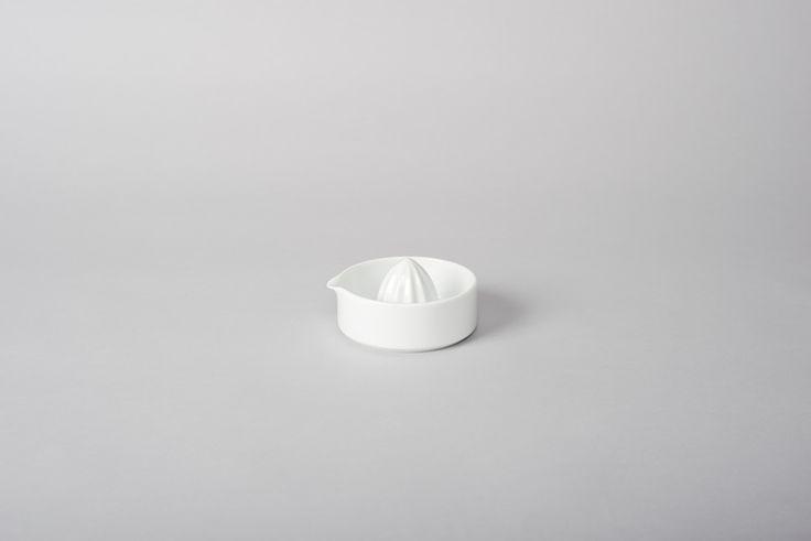 Arita Porcelain Lemon Squeezer by Makoto Koizumi #nativeandco