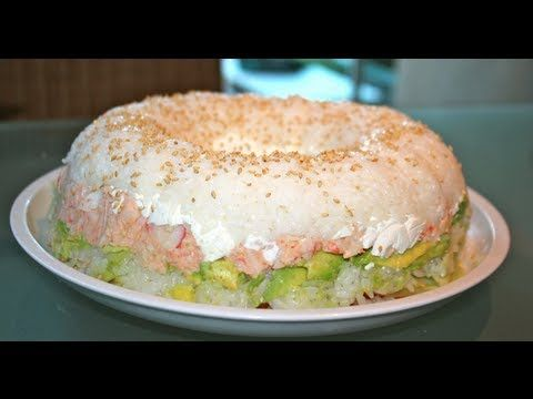 Cómo hacer pastel de sushi ¡Receta fácil! http://ini.es/13Qccth #PastelDeSushi, #PostreFacil, #RecetaFacil