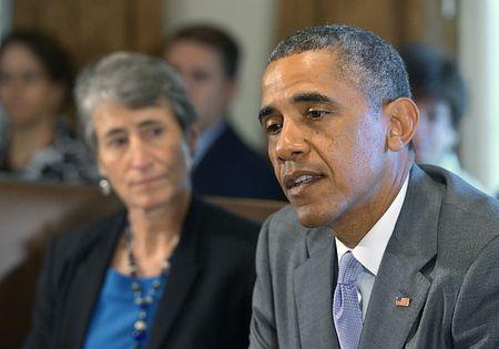 ホワイトハウスで会合に臨むオバマ米大統領=1日、ワシントン(AFP=時事) ▼2Jul2014時事通信 最悪の大統領はオバマ氏=ワースト2位は前任ブッシュ氏-米大調査 http://www.jiji.com/jc/zc?k=201407/2014070200988 #Barack_Obama