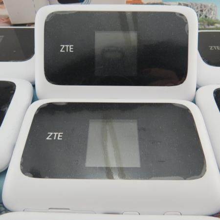 100Mbps 4G LTE Mobile WiFi Router ZTE MF910  — 3738.29 руб. —
