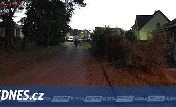 Po střelbě v Bělé pod Bezdězem zůstali dva mrtví, třetího převezl vrtulník