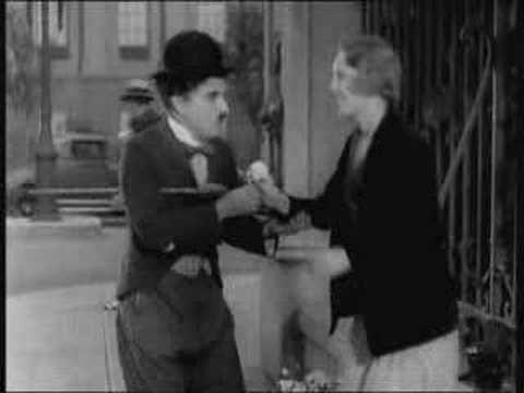 ▶ Luces de la ciudad (Charlie Chaplin, 1931) - YouTube