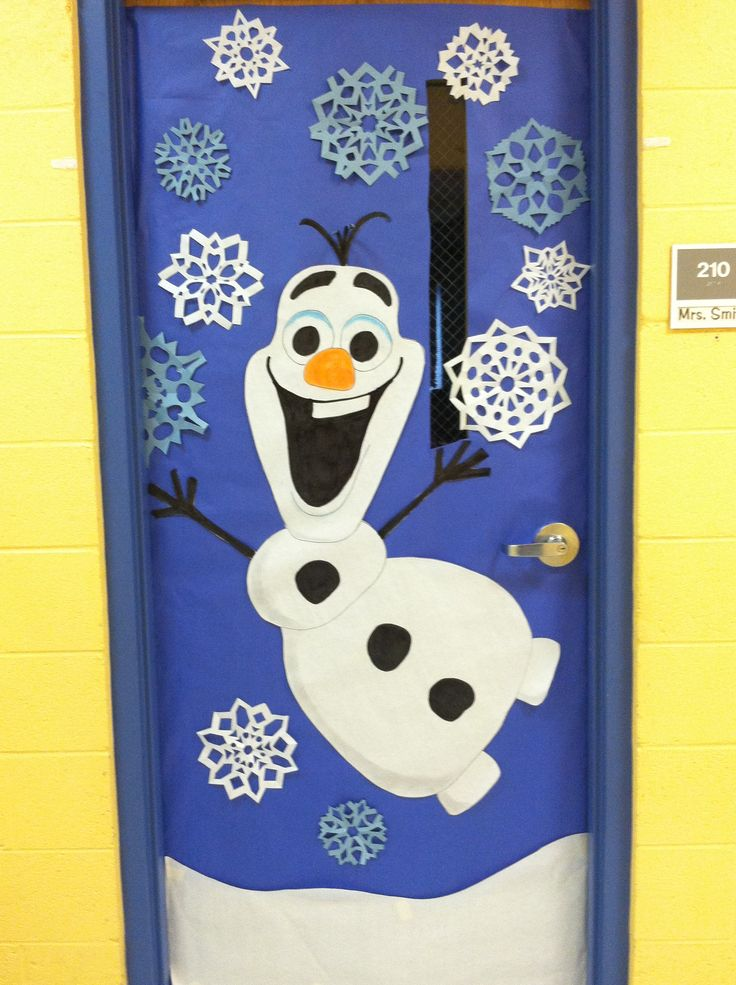 Winter door decoration olaf from frozen winter for Decoration porte classe halloween