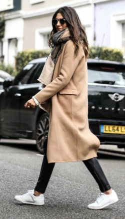 Camel coats + Federica L. + sophisticated yet casual style + coat + leather leggings + sneakers.   Coat: The Kooples, Shoes: Zalando.