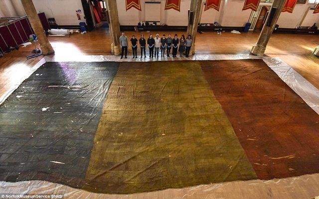 The Daily Mail – The flag from the French ship Généreux was taken by Lord Admiral Nelson and his men in 1800 at the Battle of the Nile and is believed to be one of the earliest Tricolours in existence