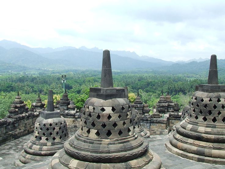 Borobudur 2008 - Borobudur - Wikipedia, the free encyclopedia