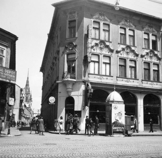 Széchenyi utca - Kossuth Lajos utca sarka, Pannónia szálló.