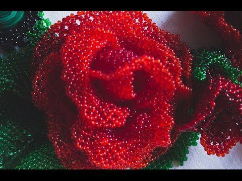 Non-English video shows how to bead flower ~ Seed Bead Tutorials