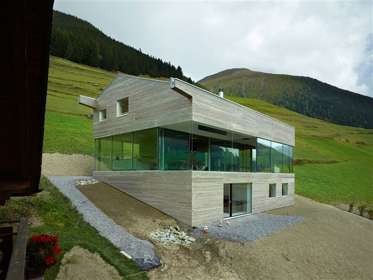 Val d entremont house sembrancher switzerland by savioz for Architecture suisse