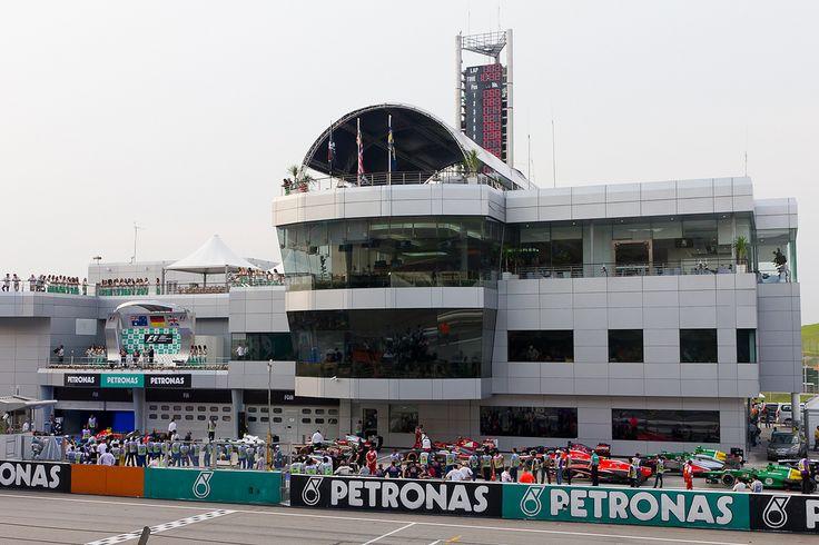 Автодром Сепанг. Формула 1 продолжает сезон в Малайзии