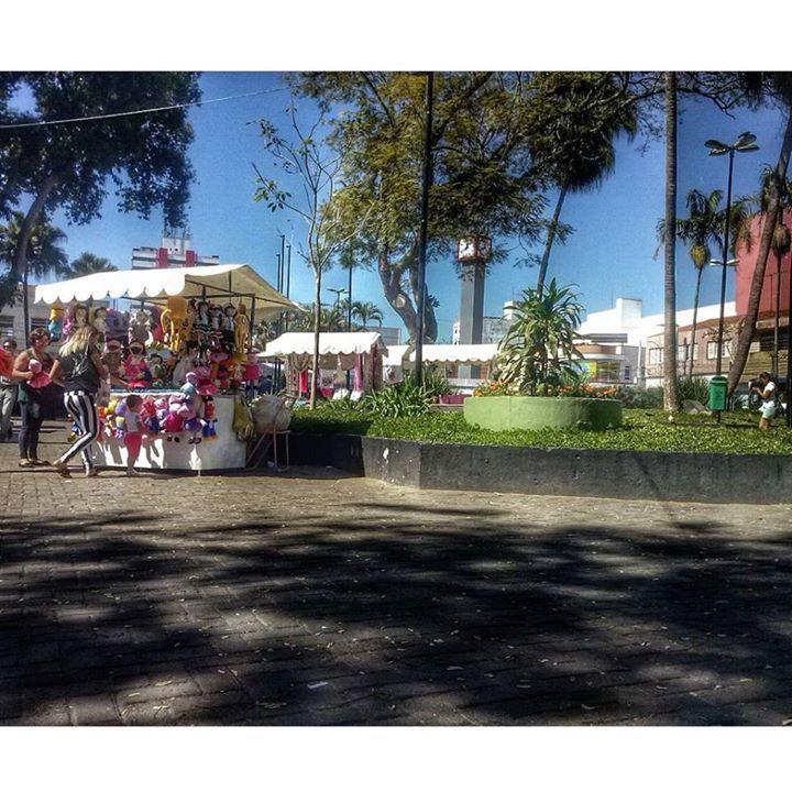 Praça Osvaldo Cruz em Mogi das Cruzes-SP ,maisso conhecida como Praça do Aviário ou Praça do Relógio.