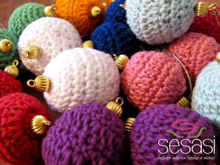 Knitted earings, different colors.