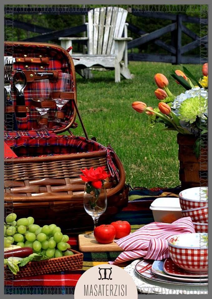 Yaza merhaba darken aileniz ile ve sevdikleriniz ile birlikte piknik yapmaya ne dersiniz? #mutlupazarlar #yazaazkaldı #family #friend #love #piknik #yaz #summer