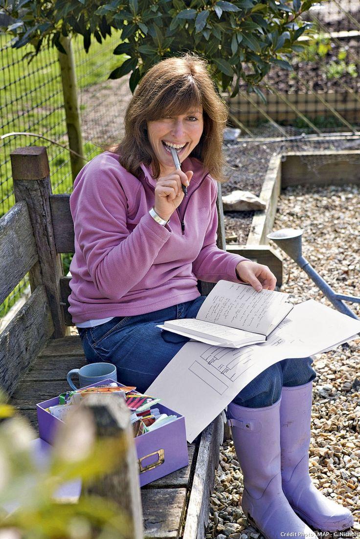 Pour réussir ses semis, il faut planifier. Tenez à jour un carnet avec la liste des graines que vous souhaitez semer, à quel moment et à quel endroit dans le jardin.