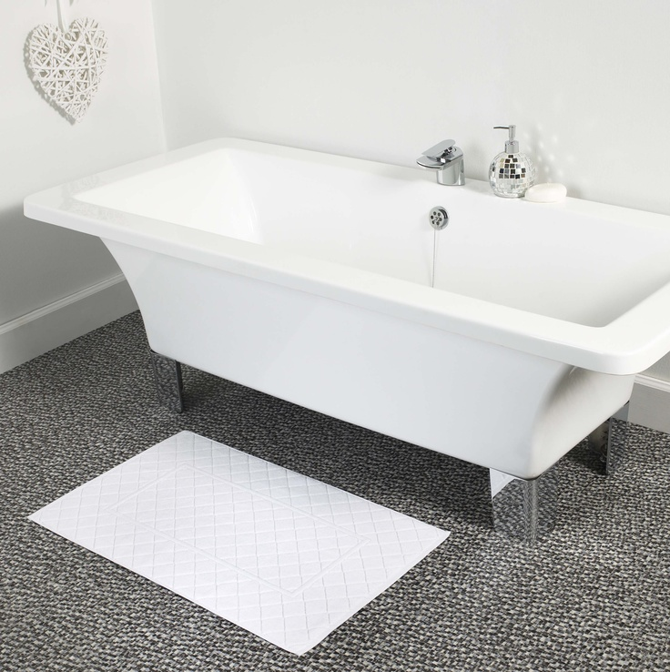 Boutique Bath Mat in Snowflake