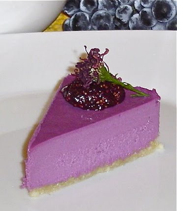 Sweetly Raw: Sweet Tooth: Concorde Grape Cheesecake with Fig and Grape Puree