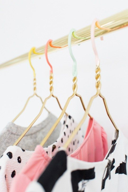 DIY color dipped clothes hangers   sugar & cloth
