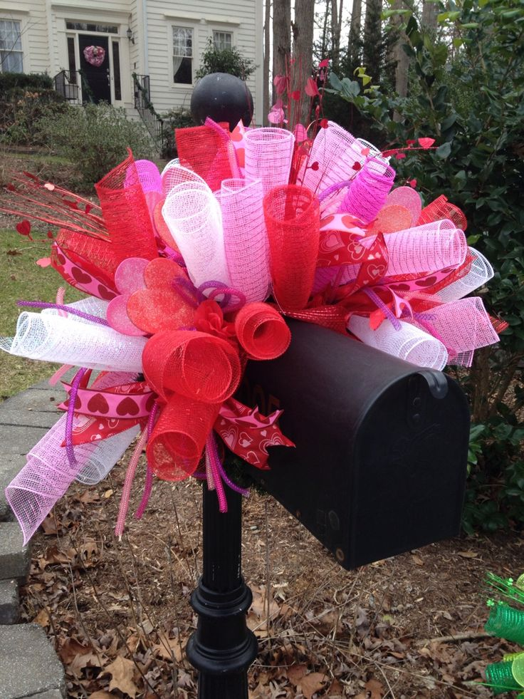 Valentine's Day deco mesh mailbox cover
