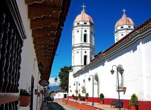 los pueblos más bonitos de colombia http://www.beevoz.com/2015/03/03/los-pueblos-mas-bonitos-de-colombia/