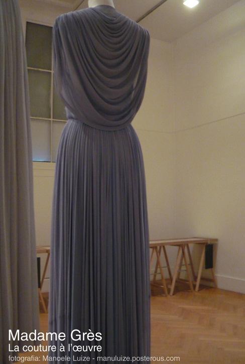 Madame Grès - La couture à l'œuvre exhibition in Paris 2011 | back