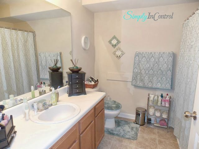 Apartment Bathroom Makeover and Organization - After