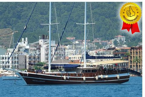8 Kabin kapasiteli Bozburun guleti Viago Nella Speranza, 8 kabin ve 16 misafire kadar mavi tur konaklama servisleri sunar.