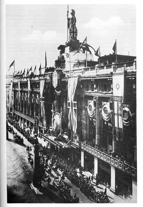 Britannia made an appearance atop Selfridges for the Silver Jubilee of George V in 1935.