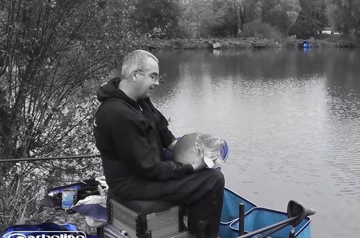Canne carpe au coup Garbolino Power fighter en plein test avec Frédéric Castan lors d'une pêche en carpodrome en Angleterre.