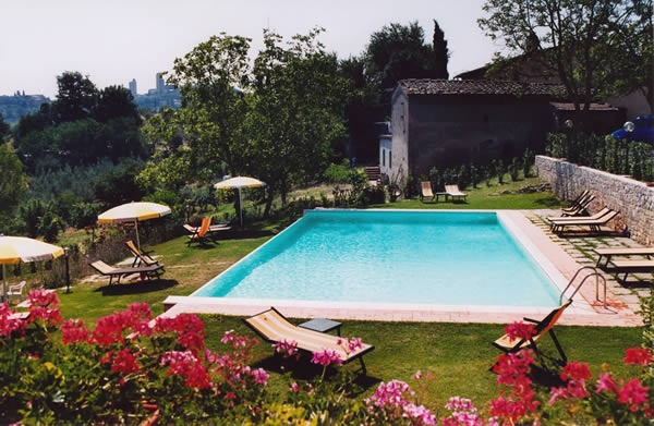 Holiday San Gimignano rooms 3-star hotel 3 with swimming pool place to stay in San Gimignano hotel in San Gimignano Siena Tuscany SAN MICHELE HOTEL Italy