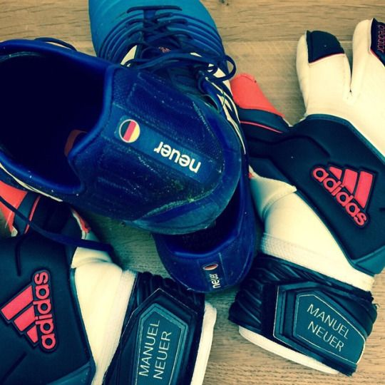 Manuel Neuer gloves and boots