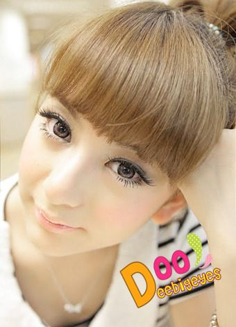 Coloured contact lenses Bigeye Natural Tones Dolce contact lenses bigeye Dolce_Pink Code: Dolce_Pink Brand: Sweety/Barbie Model: Dolce_Pink Soft Contact Lens Duration : 1 year Diameter(mm) : dia 14.5 Base Curve(mm) : B.c 8.60 Effect 17 Water content 38% Expire : 5 Years Manufactured by...