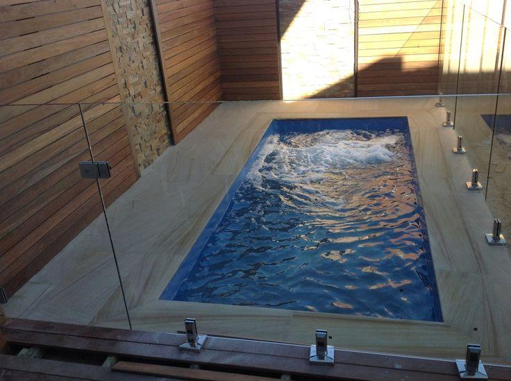 Construction d'une piscine jacuzzi par La Maison Des Travaux dans la région nantaise a Carquefou (44)