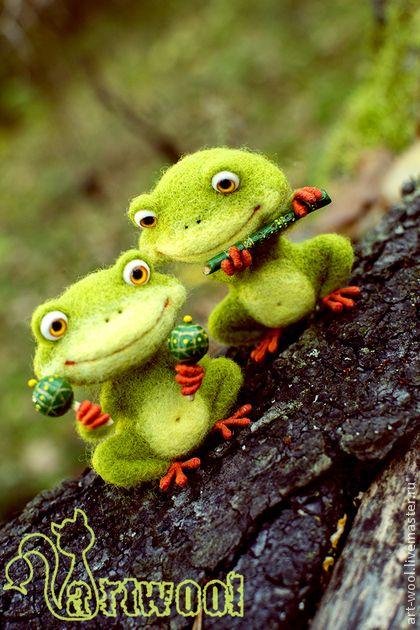 Лягушачий дуэт - лягушонок,лягушка игрушка,лягушка,музыкант,музыкальные…