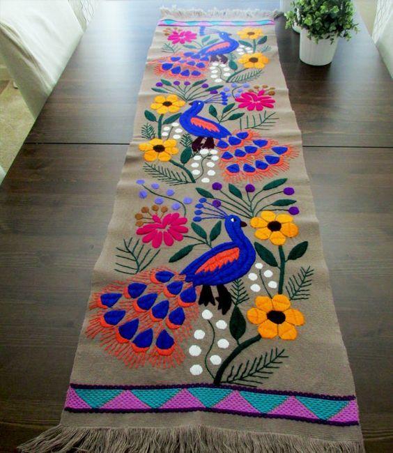 Camino de Mesa gris Textil Mexicano hecho a por ArteDeMiTierraMX: