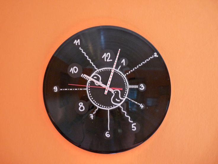 hodiny z gramofonové desky