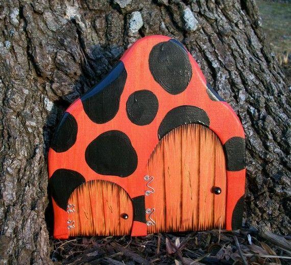 Best 25 fairy garden doors ideas on pinterest diy fairy for Painted fairy doors