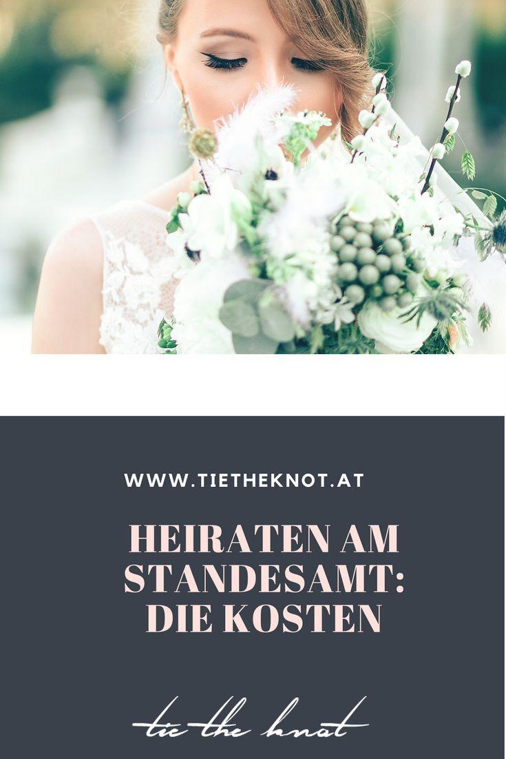 Damit eine Ehe jedoch auch vor dem Staat gültig ist, muss sie auch standesamtlich geschlossen werden. Wir haben Tipps, was ihr übers Heiraten am Standesamt auf jeden Fall wissen müsst.