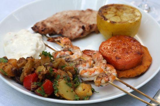Tämä karibiahenkisen grillimenun on alun perin löytänyt ystävän ystävä ELLE MAT & VIN -lehden numerosta 2/07. Sen verran herkullisia ruuat ...
