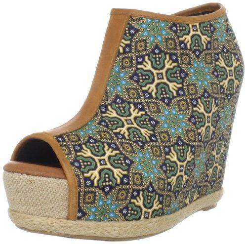 "I want these wedges! Diggin' the ""ethnic"" print!: Pumps Polynesian Blue 7 5, 80 20 Woman, Women'S Yasha, Fashion Accessories, Yasha Wedges, 80 20 Women'S, Woman Yasha, Wedges Pumps Polynesian, Wedges Pumppolynesian"