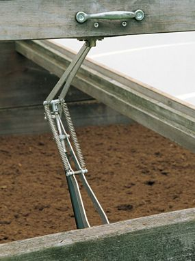 Univent Automatic Vent Opener - solar powered vent opener for cold frames. Neato! I'm totally using these when I get around to building my cold frames.