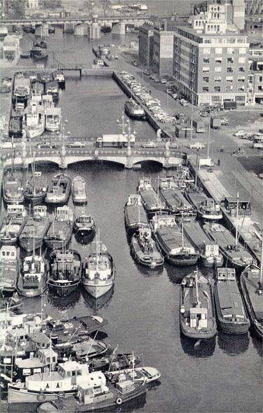 Wijnhaven met Regentessebrug